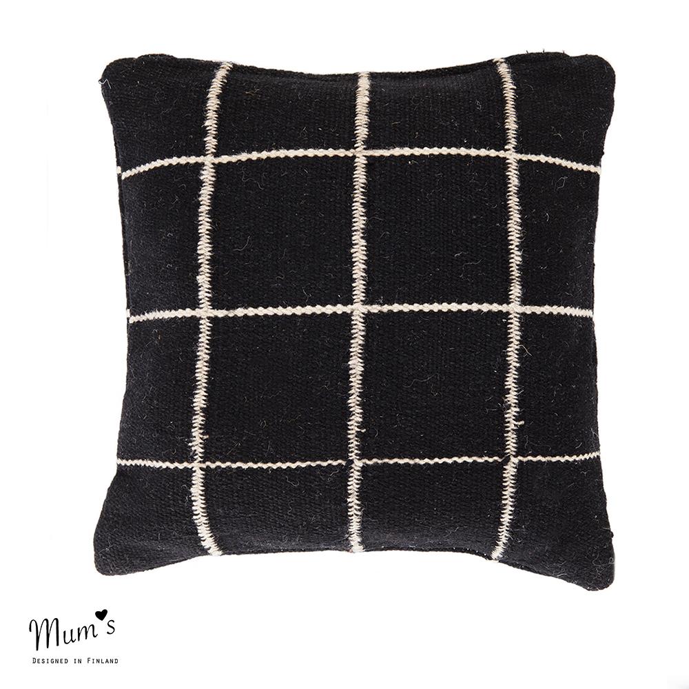 Ikikorpi cushion natural on black
