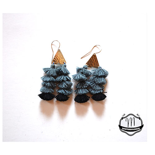 BOMBOM earrings grey